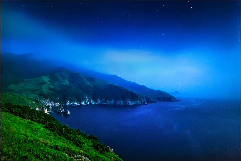 Ночной пейзаж в Японском море