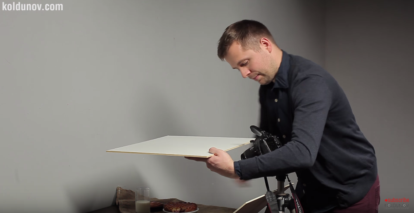 Simple trick with pop-up flash in food photography
