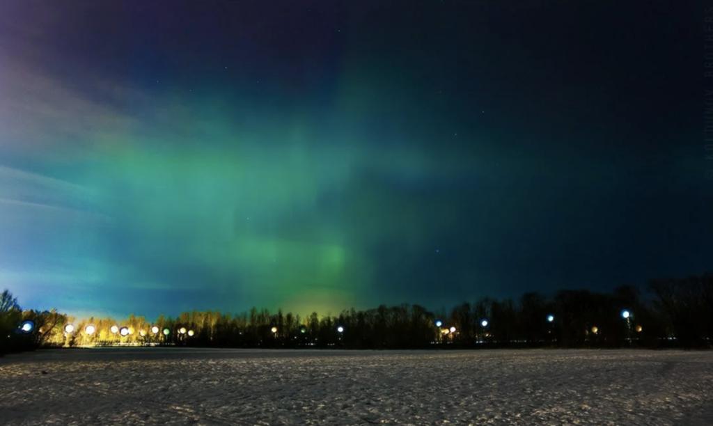 Полярное сияние 22:48 17 марта 2013 над Санкт-Петербургом