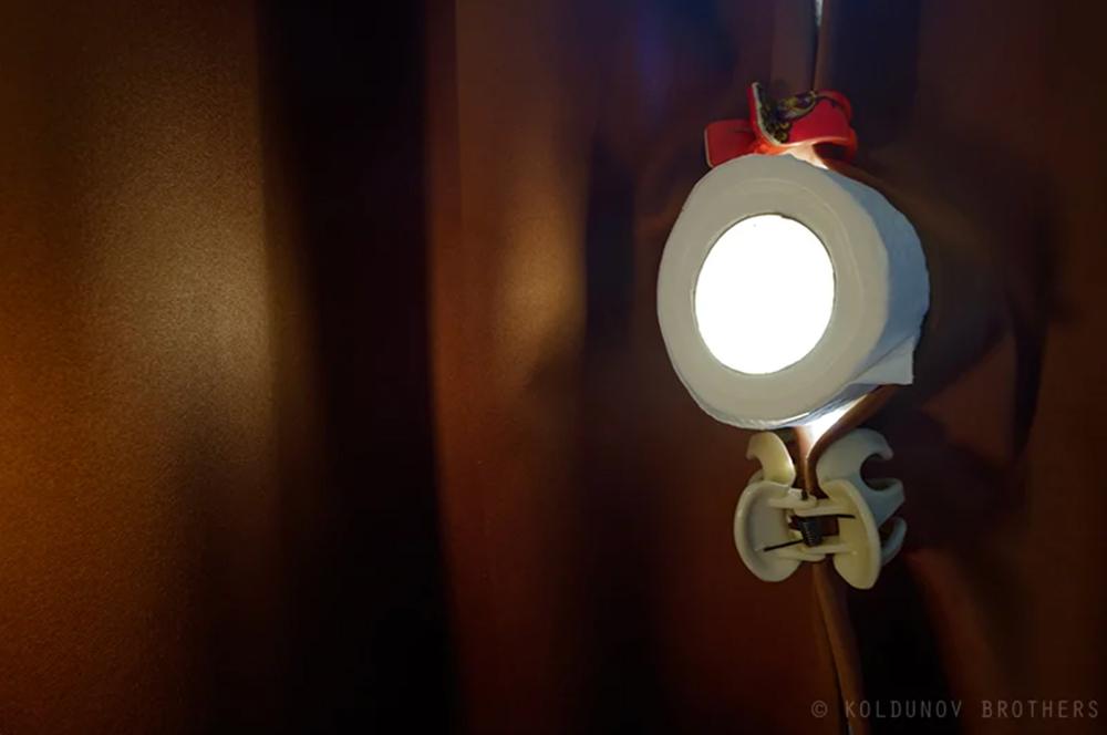 отверстие из туалетной бумаги для Camera obscura