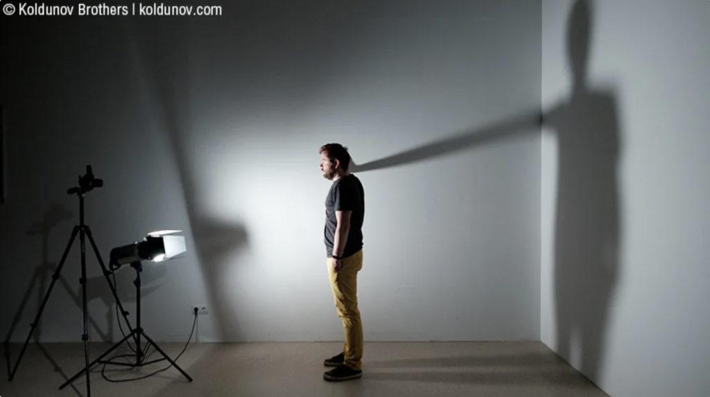 Нижний свет интересен при работе с тенями