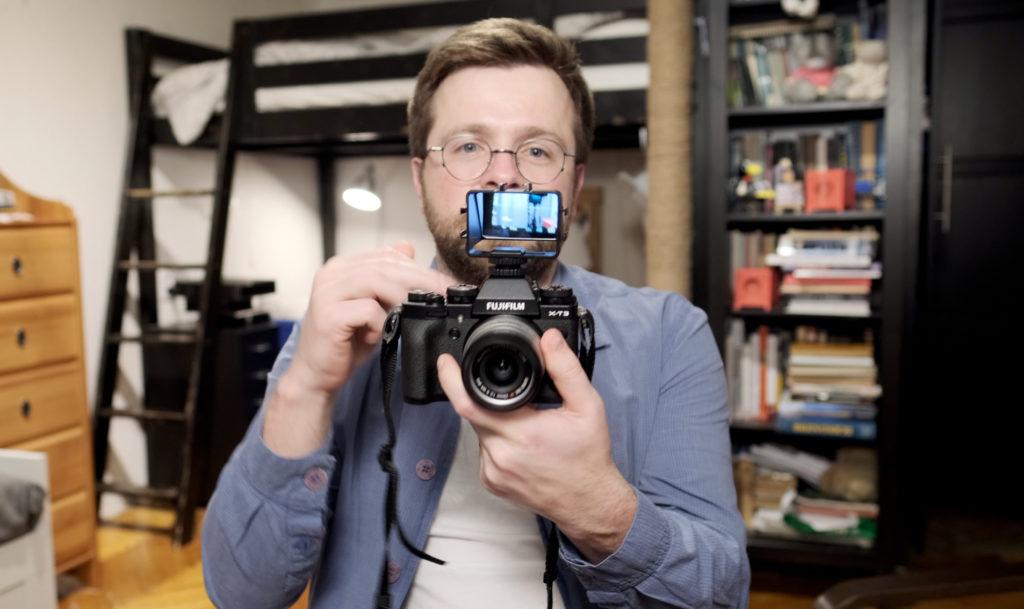 Альтернатива поворотному экрану Fujifilm X-T4, устройство с зеркалом.